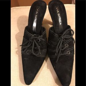 Jazzy Suede Via Spiga Mules Great Condition.
